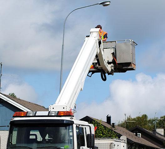 Verkehrssicherung mit Hubarbeitsbühne